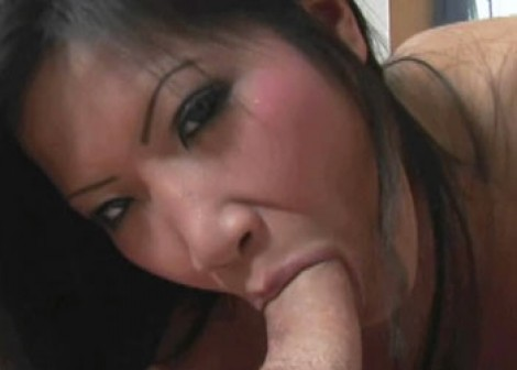 Christina Aguchi gets a big facial